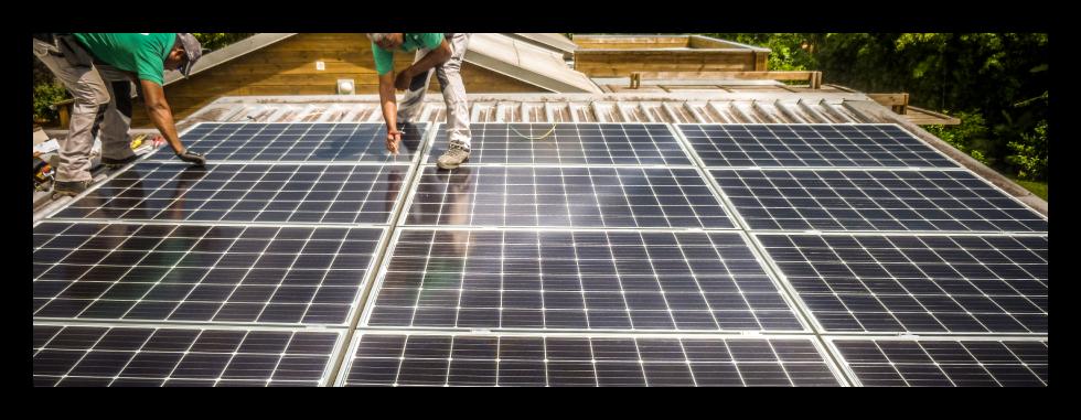 Travaux d'installation d'équipements solaires